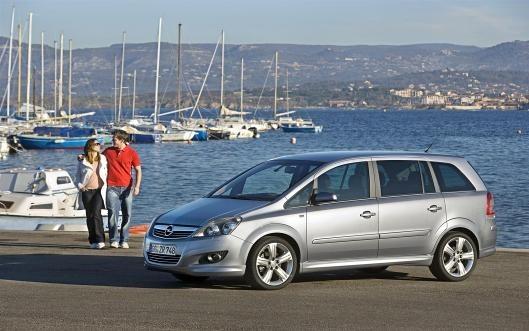Opel Zafira - 2,2 petrol - automatic, 7 seats (6+1)
