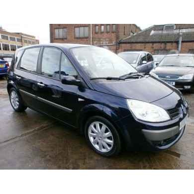 Renault Grand Scenic - 2,0i petrol - automatic